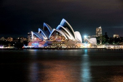 blue-red-Sydney-at-night