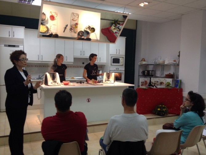 Aprendiendo a cocinar con la thermomix polivalencia for Clases cocina valencia
