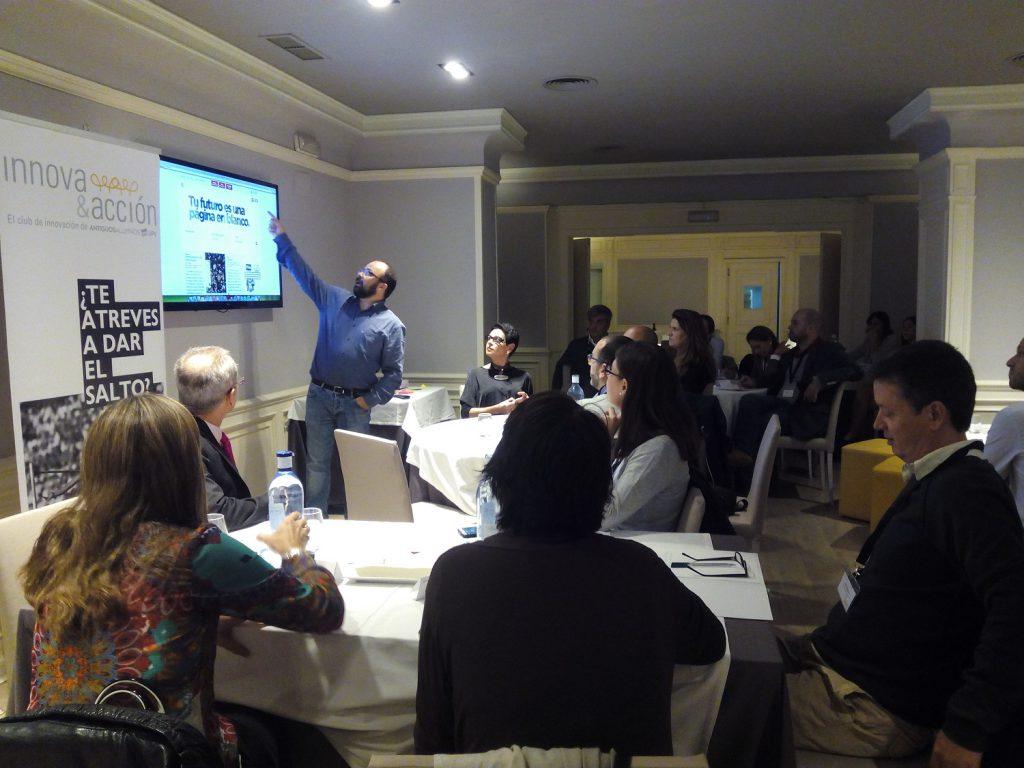 El pasado viernes tuvo lugar un nuevo encuentro de Innova&acción. En esta ocasión el tema escogido fue el Design Thinking. Para profundizar en esta interesante metodología contamos con Juan Pastor Bustamante, experto en creatividad e innovación personal, organizacional y territorial