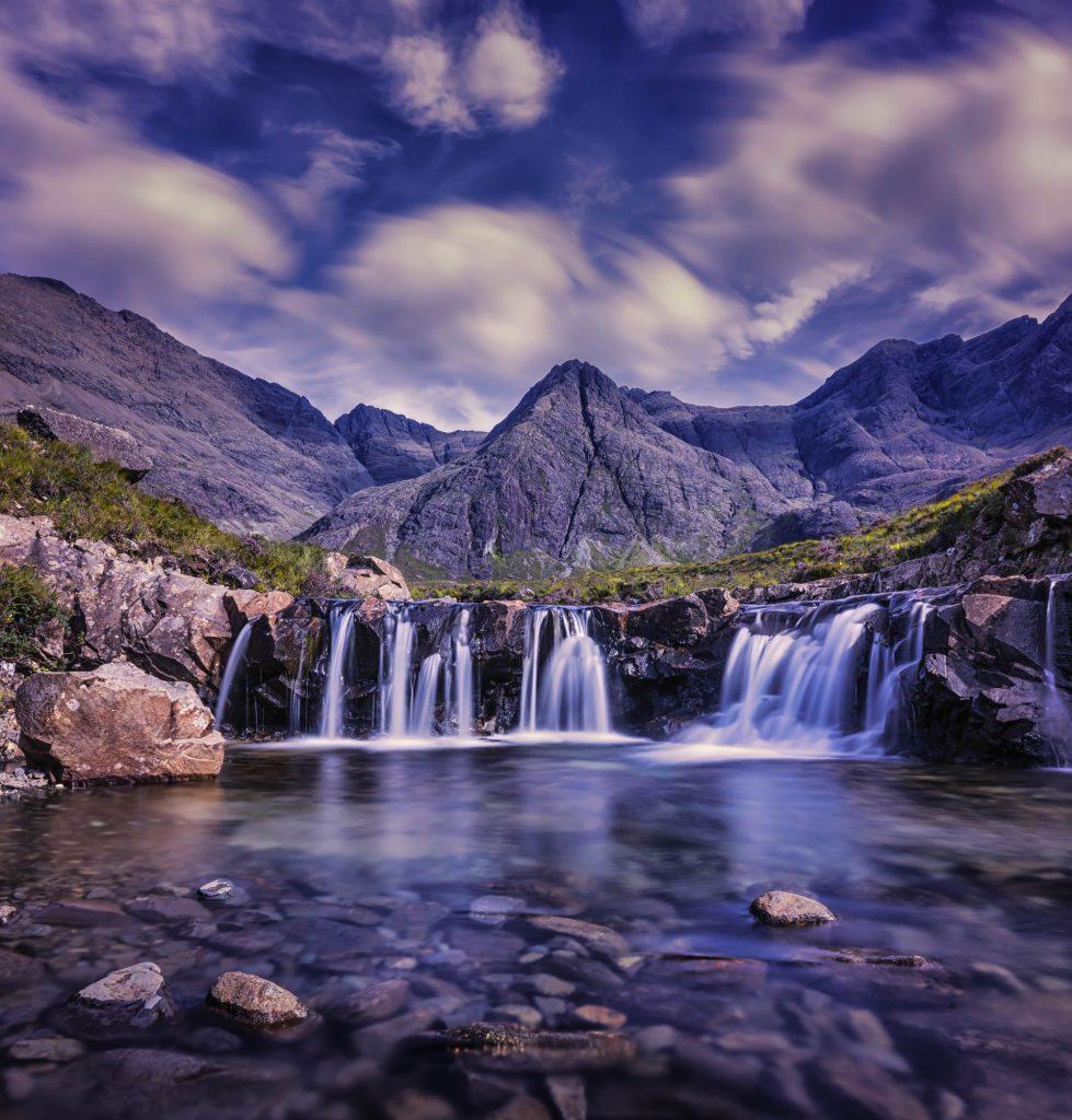 El agua corriente nunca se estropea o las competencias líquidas