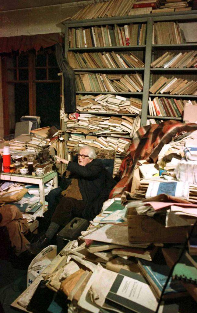 despacho-Jean-Piaget